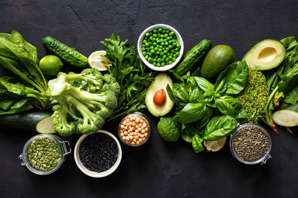 Ví dụ rau muống, bông cải xanh và củ quả ví dụ như cà rốt,…
